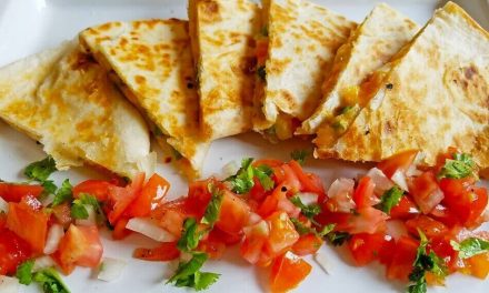High Protein Veggie Quesadilla Recipe That You Make In 10 Minutes